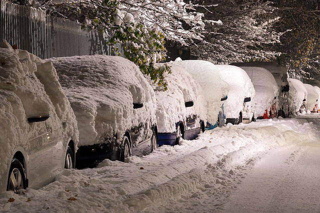 Přichází zima, jak se chovat na silnici?